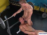 Straight porno dude sucks gay guys dick