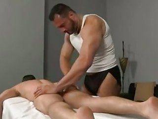 Depraved Masseur Gives Session To His Client